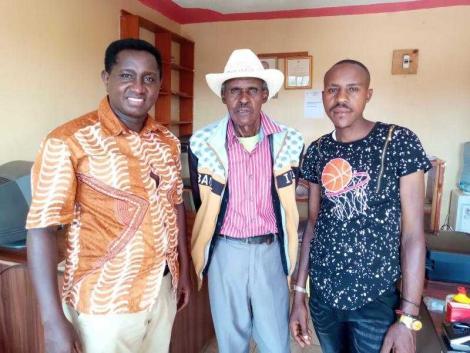 Firirida musician Dick Munyonyi (centre), his son Munyoni Junior (R) and musician Epha Maina on Monday, February 22.