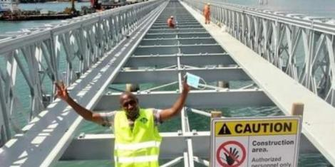 picture of the floating bridge