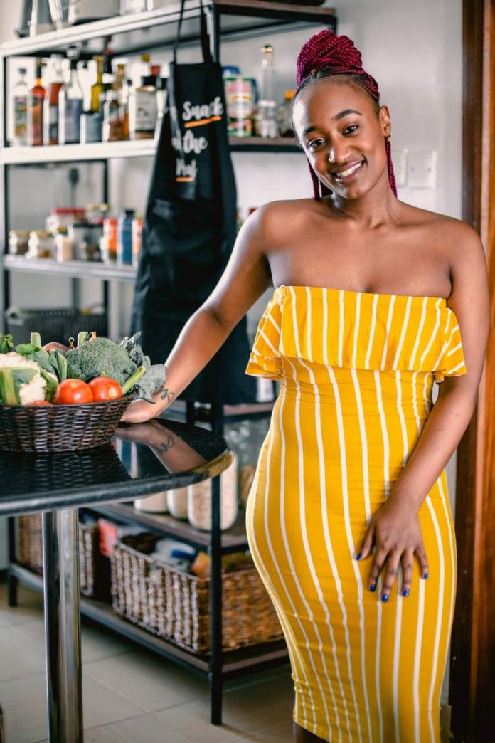 Miss Mandi On Food, Food And More Food & Her New E-Book Anddd The #KenyanChristmasThrowdowns