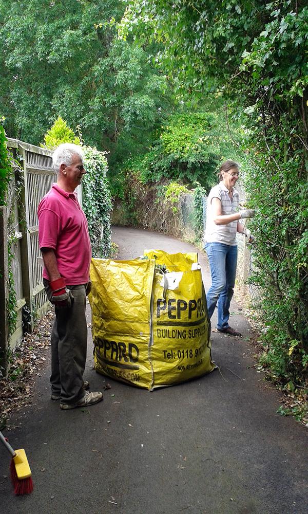 kidmore end parish council tidy up graveyard footpath 1