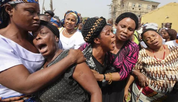 femmes en pleurs