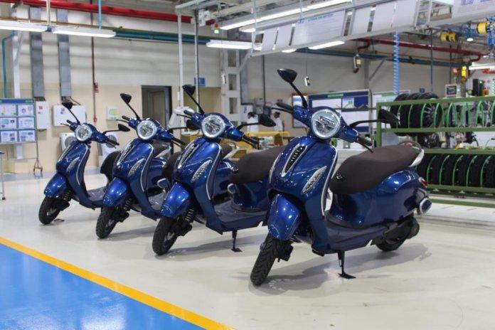 bajaj chetak electric scooter orginal photos 001
