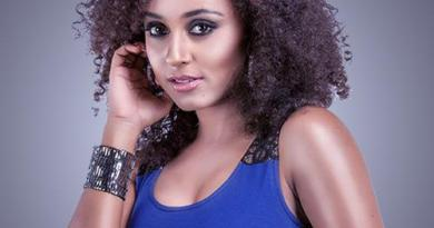 Pearle Maaney - Bigg Boss Malayalam season 1 Contestants