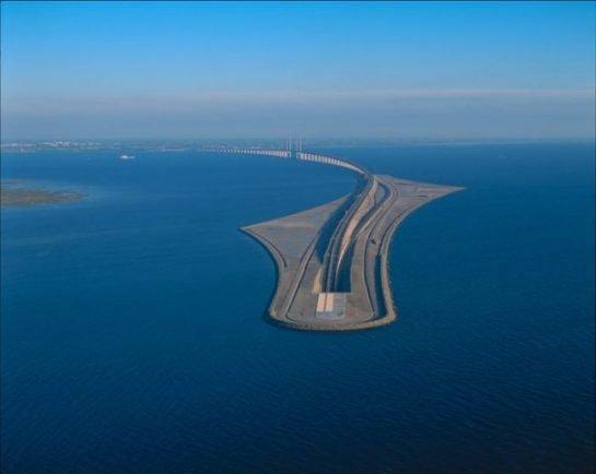 Danimarka (Kopenhag) ve İsveç (Malmö) arasında Öresund Köprüsü