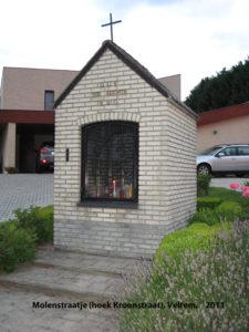Op de hoek van de Kroonstraat en het Molenstraatje staat de kapel toegewijd aan O.L.Vrouw ter Koorts.