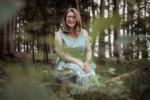 Ruheoase im Wald für die Kinderhautexpertin
