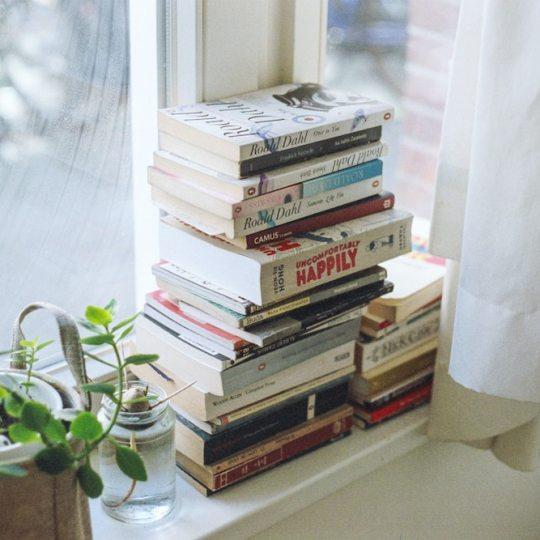 Ich zeige dir die Mindset Bücher, die mein Leben verändert haben und mich zu der Person gemacht haben, die ich heute bin.