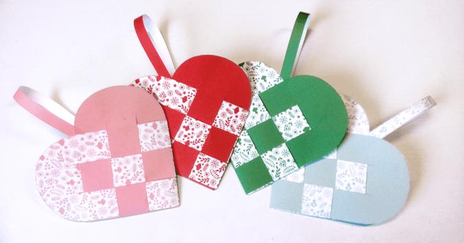 Scandinavische Kerstharten - harten weven van papier