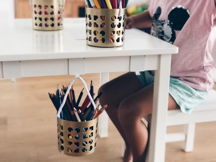 How To_Ikea Hack_Kindertisch_Körbe einhängen