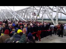 Abraham Lincoln Bridge ribbon cutting