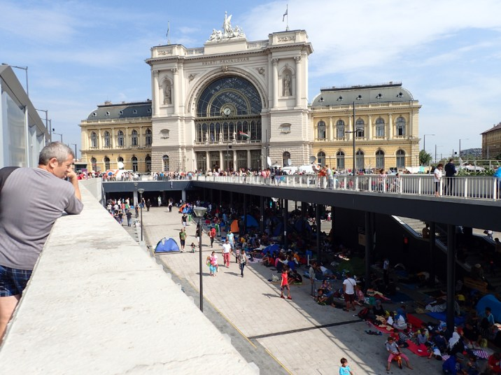 Refugees in Budapest (by Dean Karalekas)