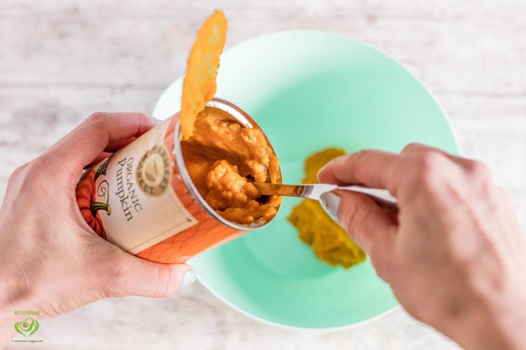 Adding pumpkin | keto-vegan.com