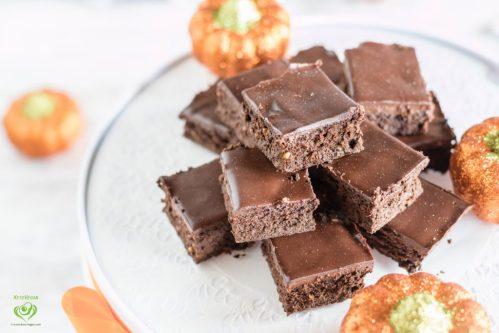 4-Ingredient Pumpkin Peanut Butter Fudge Brownies with 2-Ingredient Frosting   keto-vegan.com