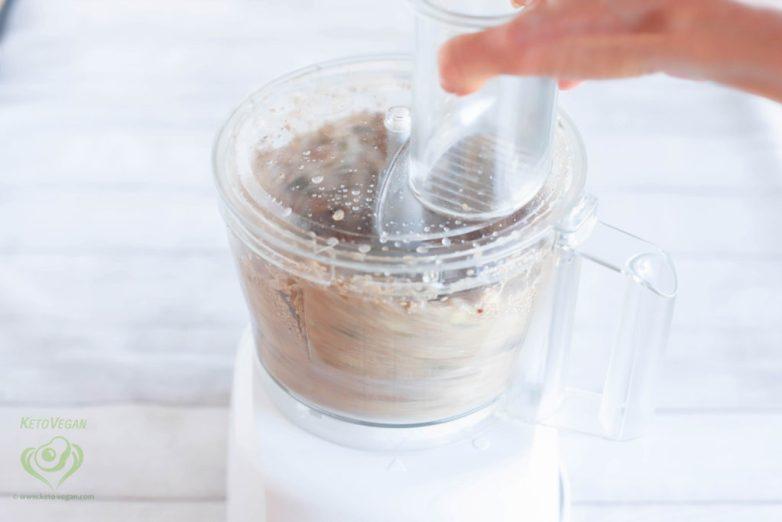 Process until the mixture is well mixed | keto-vegan.com