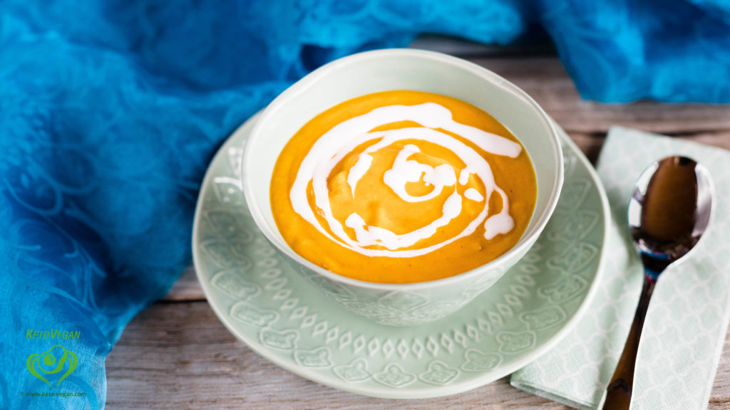 The Easiest Ever Keto-Vegan Pumpkin Soup | www.keto-vegan.com