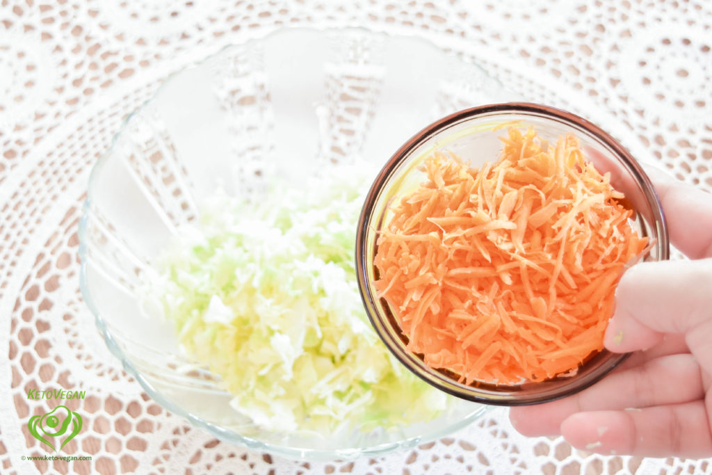 Grated carrot | keto-vegan.com