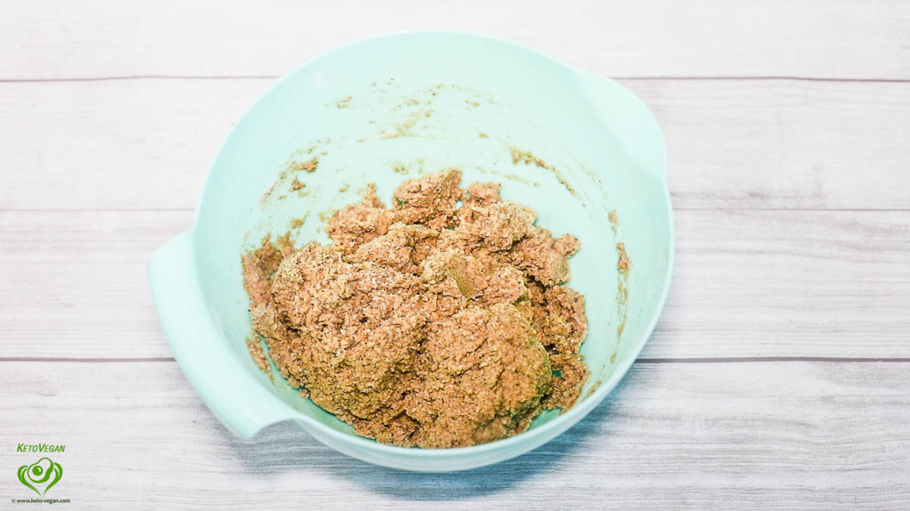 letting thicken | www.keto-vegan.com