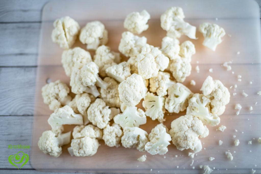 Still chopping cauliflower | www.keto-vegan.com