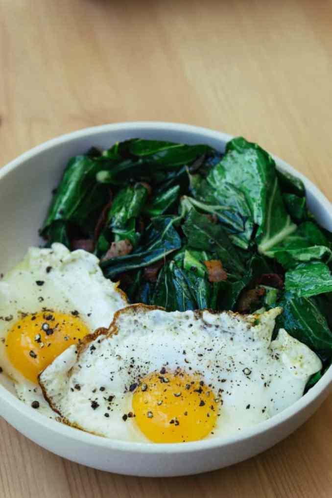 Keto egg breakfast bowl