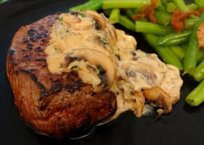 Biefstuk met champignonroomsaus