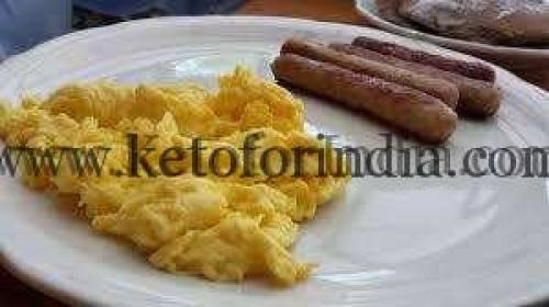 Thursday Keto Diet Plan: Scrambled eggs with Chicken Sausages