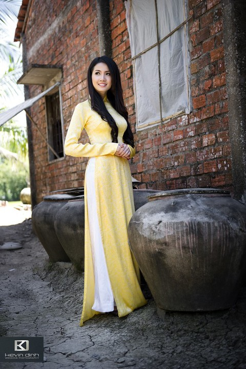 The Beauty Of Ao Dai Los Angeles Wedding Photographers The Knot Best Of Weddings