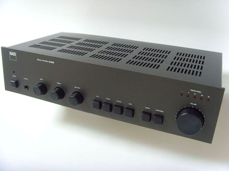 NAD 3020B amplifier c1980