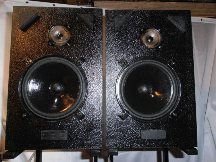 Omar Goring hi-fi loudspeakers
