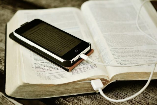 Bible software and apps for simple and power users