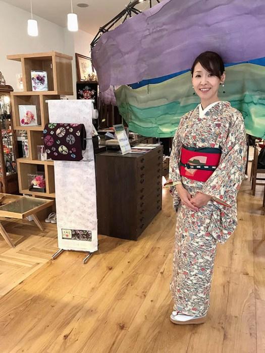高松英会話ケビンズイングリッシュハウスのお着物姿の生徒 Mitsuko