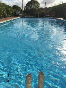 Feet pool Italy