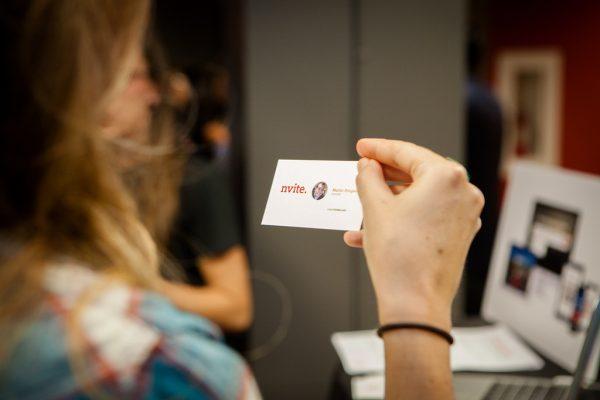 tarjeta de visita - mentores y advisors de una startup