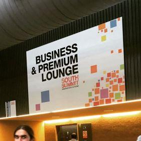 Entrada al Business Lounge