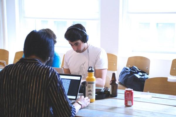 socios fundadores de una startup - fundadores a tiempo parcial