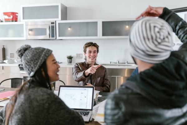 Alianzas comerciales en una startup: ampliar nuestra capacidad frente a delegar o abdicar nuestras ventas