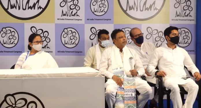 mukul roy an. d his son again join TMC
