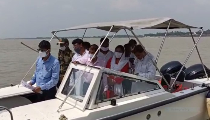 Inspection of Ganga erosion affected areas before monsoon