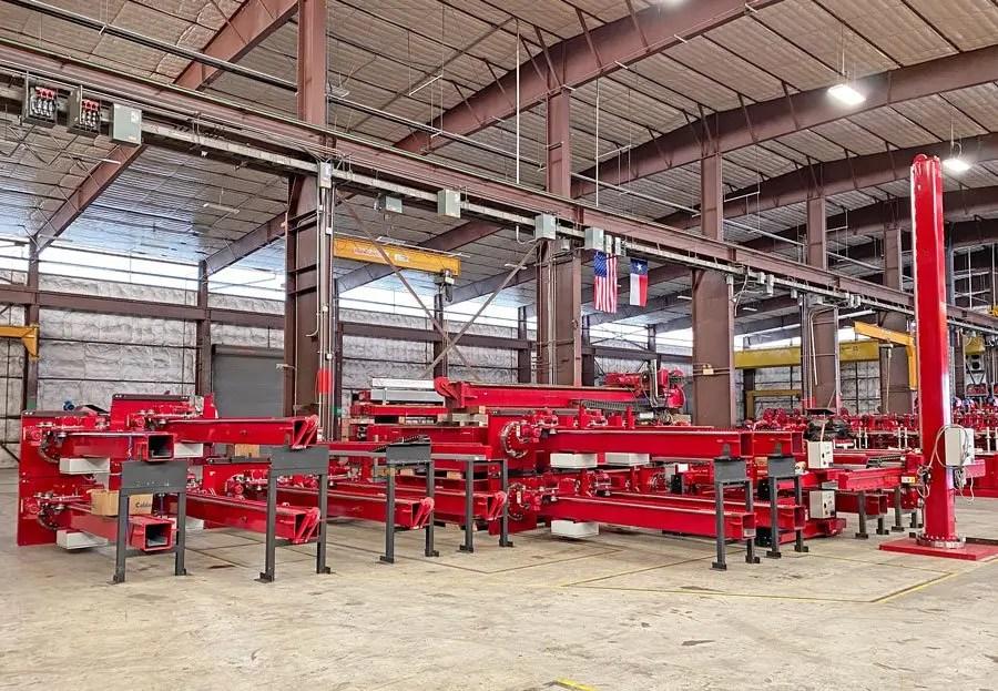 Column and boom welding manipulators