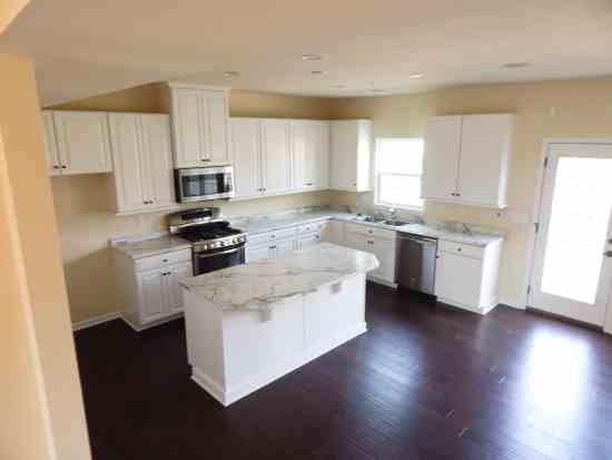 White Kitchen Main Level Ryan Homes Wexford