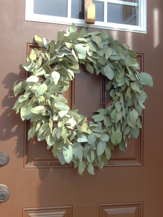 DIY Eucalyptus Wreath Tutorial-1