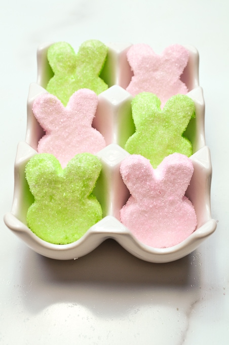 Check out these adorable homemade Easter Peeps! They are so much easier to make than