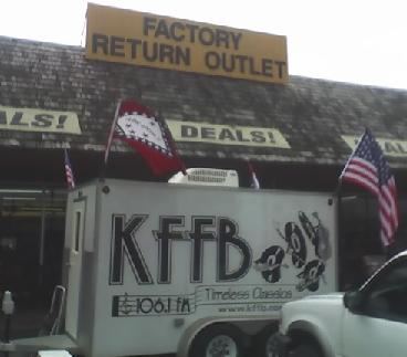 kffb-1061-on-location-at-factory-return-outlet-in-batesville
