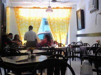 bahamian-cookin-restaurant (4)