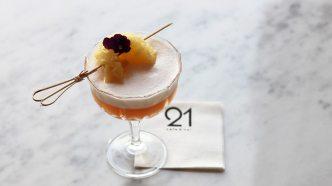 visit-rovaniemi-restaurants-cafe-bar-21-cocktail