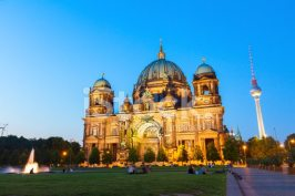 53587404-berlin-cathedral-church-berliner-dom-berlin-germany