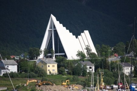 4299803-The-Arctic-Cathedral-Tromso-1