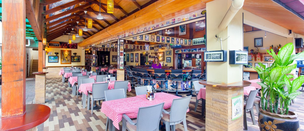 Restaurant-and-Bar-01