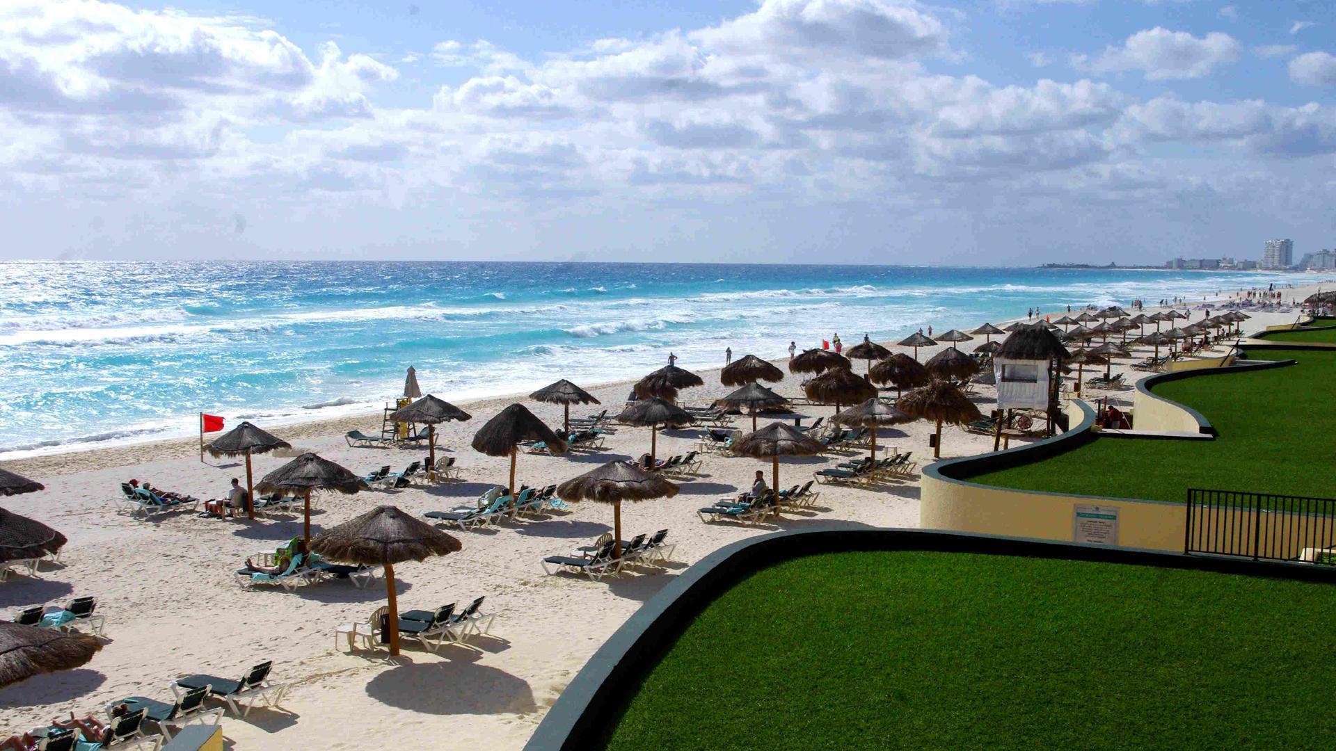 cancun_mexico_1513350979839-159532.jpg04387397