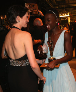 Anne-Hathaway-Lupita-Nyongo-shared-sweet-moment-250x300