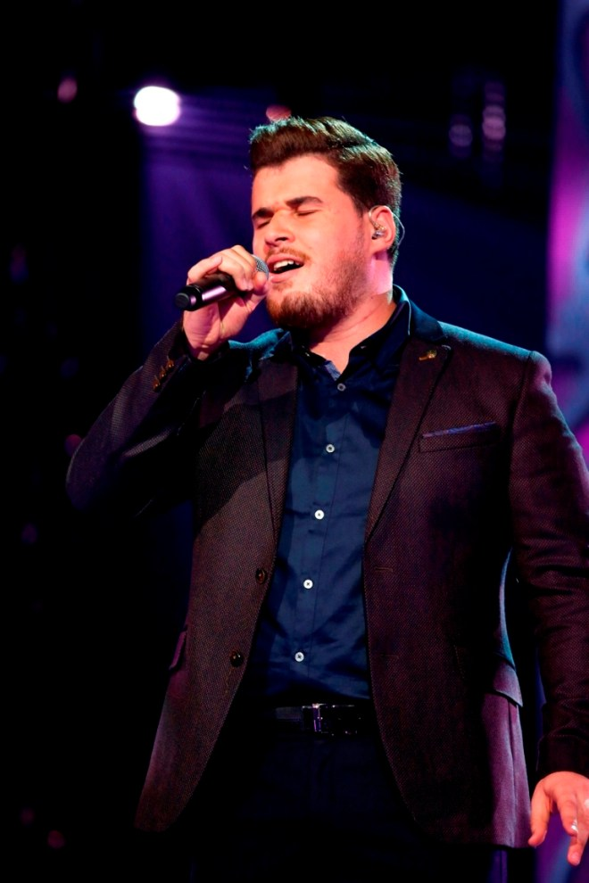 MBC1 & MBC MASR Arab Idol S3 - Live Round - Ajrad Yoghardat (1)